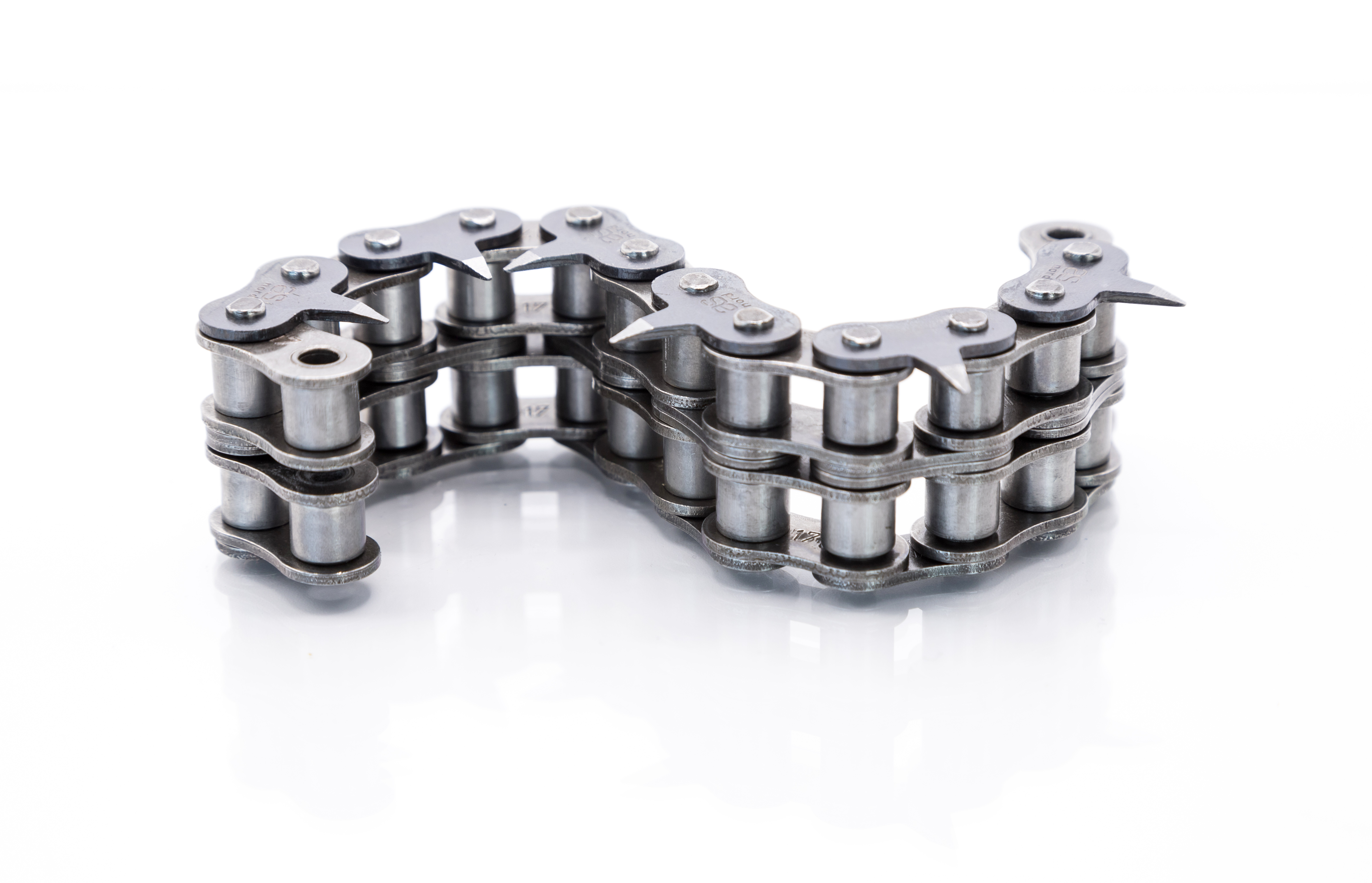pointed attachments chains
